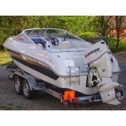 Motorový kajutový člun loď GALE 630 Lux kabin