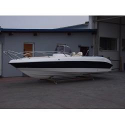 Motorový kajutový člun GALE 630 Sun Deck