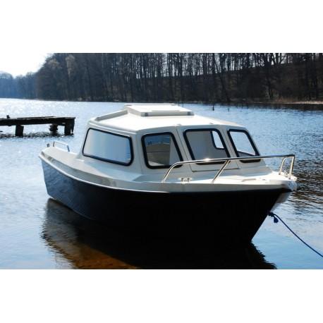 Motorový kajutový člun Kamila 420