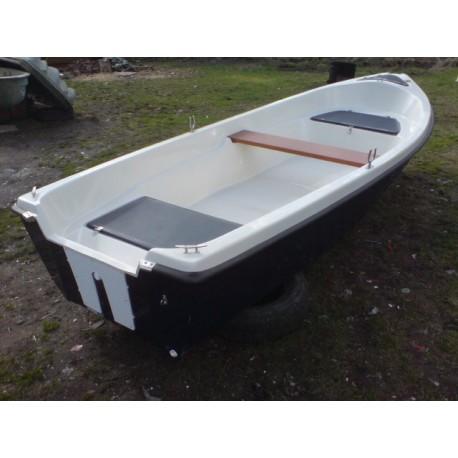 Motorový člun veslice Aneta 400 - kategorie plavby C
